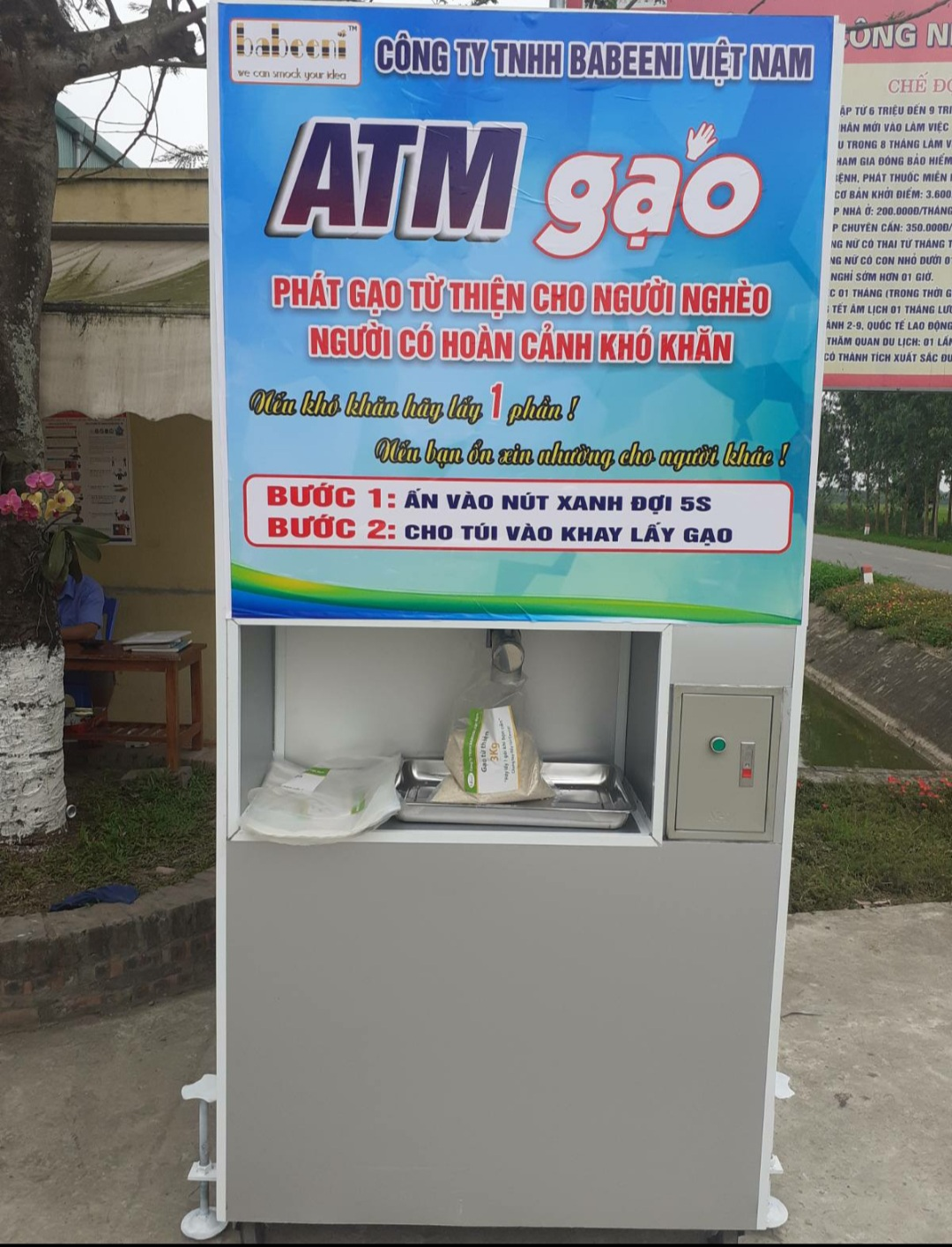 Babeeni Set Up Rice ATM to Dispense Free To The Affected by Covid-19