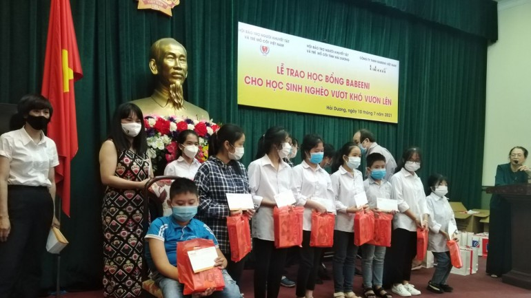 Scholarship for disadvantaged pupils in Hai Duong Province